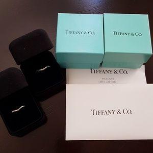 Tiffany Elsa Peretti® band ring